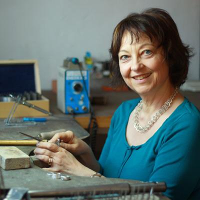 Im Atelier von Goldschmiedemeisterin Birgit Wittköpper